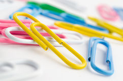 Multicolored paper clips Royalty Free Stock Photos