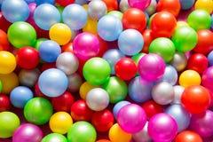 Multicolored plastic ballen Stock Afbeeldingen
