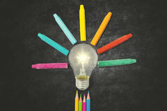 Multicolored potloden en kleurpotloden met bol Stock Foto's