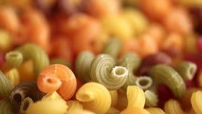 Multicolored verdraaide deegwarendefocus stock video