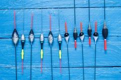 Multicolored vlotters Verschillende vlotters Vlotter voor visserij Een aantal vlotters stock afbeeldingen