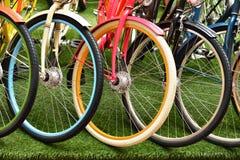Multicolored wiel verschillende fietsen Royalty-vrije Stock Foto's