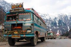 Multicolour halny autobus Zdjęcie Royalty Free