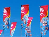 Multicoloured Banners en Blauwe Hemel Royalty-vrije Stock Fotografie