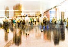 Multidão abstrata de trabalhos em rede dos povos no Cyberspace imagem de stock royalty free