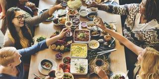 Multidão bem escolhida da refeição matinal que janta as opções do alimento que comem o conceito