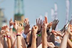 Multidão Cheering foto de stock royalty free