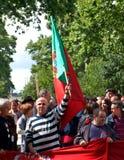 A multidão comemora 25 de Abril Imagem de Stock