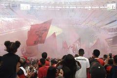 A multidão de Flamengo comemora no estádio de Maracanã Foto de Stock Royalty Free