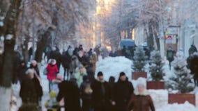 Multidão de lapso de tempo de passeio da rua da cidade dos povos vídeos de arquivo