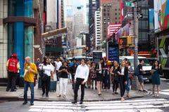 Multidão de New York City do Times Square imagens de stock royalty free