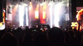 Multidão de povos em um concerto video estoque