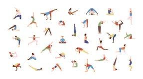 Multidão de povos minúsculos que executam exercícios da ioga Homens e mulheres que praticam Asana isolado no fundo branco espirit ilustração royalty free