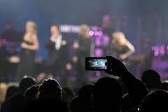 Multidão e atmosfera geral durante concerto do aniversário do ano de Viktor Drobysh o 50th em Barclay Center Fotos de Stock