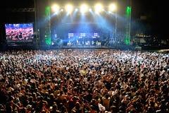 Multidão em um concerto no festival de Dcode imagens de stock royalty free