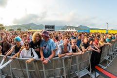 Multidão em um concerto no festival FIB foto de stock royalty free
