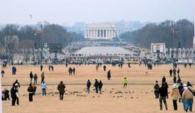 Multidão na alameda Imagem de Stock Royalty Free