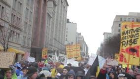 Multidão no março de NoDapl com 1080p audio filme