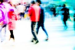 Multidão pedestre dos povos da cidade ocupada Imagens de Stock Royalty Free