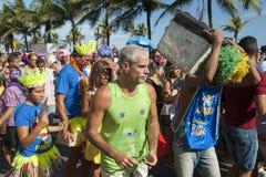 Multidão que comemora o carnaval Ipanema Rio de janeiro Brazil Fotos de Stock Royalty Free
