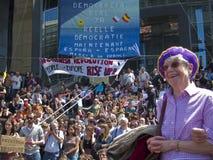Multidão que demonstra na volta do espanhol da sustentação foto de stock royalty free