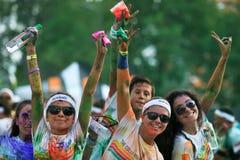 Multidões de povos não identificados na corrida da cor Fotografia de Stock