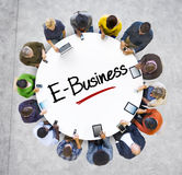 Multiethnische Gruppe Geschäftsleute mit E-Business Stockfotografie