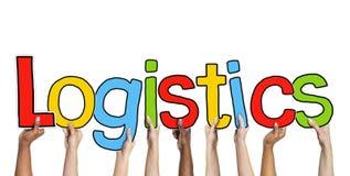 Multiethnische Gruppe Hände, die Buchstabe-Logistik halten Lizenzfreies Stockfoto