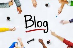 Multiethnische Gruppe von Personen und Blog-Konzept Stockfoto