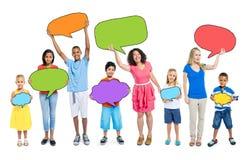 Multiethnisches Gruppe von Personenen-Sprache-Blasen-Konzept Lizenzfreie Stockfotos