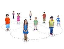 Multietnisk grupp av barnanslutning Arkivfoton