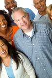 Multikulturelle Gruppe von Personen lokalisiert auf Weiß Lizenzfreie Stockbilder