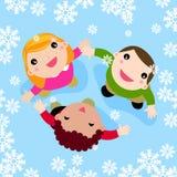 Multikulturelle Kinder, die im fallenden Schnee spielen stock abbildung