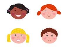 Multikulturelle Kindköpfe - getrennt auf Weiß Stockfotos