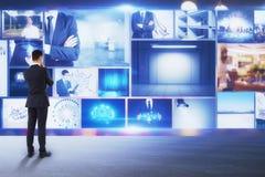 Multimedia e concetto di flusso continuo immagine stock