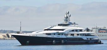 Multimillonario Dennis Washington Motor Super Yacht Attessa IV imagen de archivo libre de regalías
