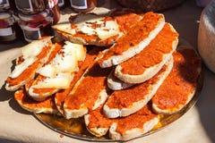 Multiplié avec l'oli d'amb de PA d'huile d'olive avec le sobrasada et le fromage à vendre à Porreres, Majorca photo stock