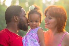 Multiracial mieszany rodzinny pojęcie Zdjęcia Stock