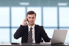 Multitasking mężczyzna business manager ruchliwie zadanie Obraz Royalty Free