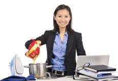 Multitasking vrouw Stock Fotografie