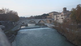 Multitud del estornino en Roma metrajes