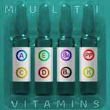 Multivitamínicos usando o conceito Quatro ampola com letras coloridas cobertas de elementos da vitamina de A.A.E D K PP B6 B12 da fotografia de stock royalty free