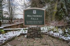 Multnomah spadki Podpisują wewnątrz śnieg obrazy royalty free