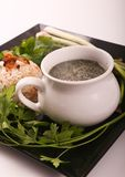 Mulukhiyah mit Reis-Mahlzeit lizenzfreie stockfotos