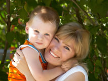 Mum με το γιο στοκ φωτογραφίες