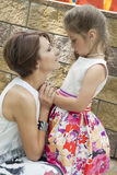 Mum consoles the daughter Royalty Free Stock Photography