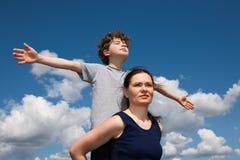Mum en zoon royalty-vrije stock afbeelding