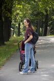 Mum met kinderwagen Royalty-vrije Stock Foto