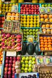 Mumbai, στις 20 Νοεμβρίου 2018: ζωηρόχρωμα φρούτα και λαχανικά στο άλας στοκ φωτογραφία με δικαίωμα ελεύθερης χρήσης