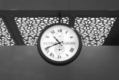 Mumbai, Inde - 5 janvier 2015 : Horloge d'Ulysse Nardin dans Chhatrap Photographie stock libre de droits
